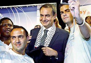 Zapatero junto a Kaffiyah